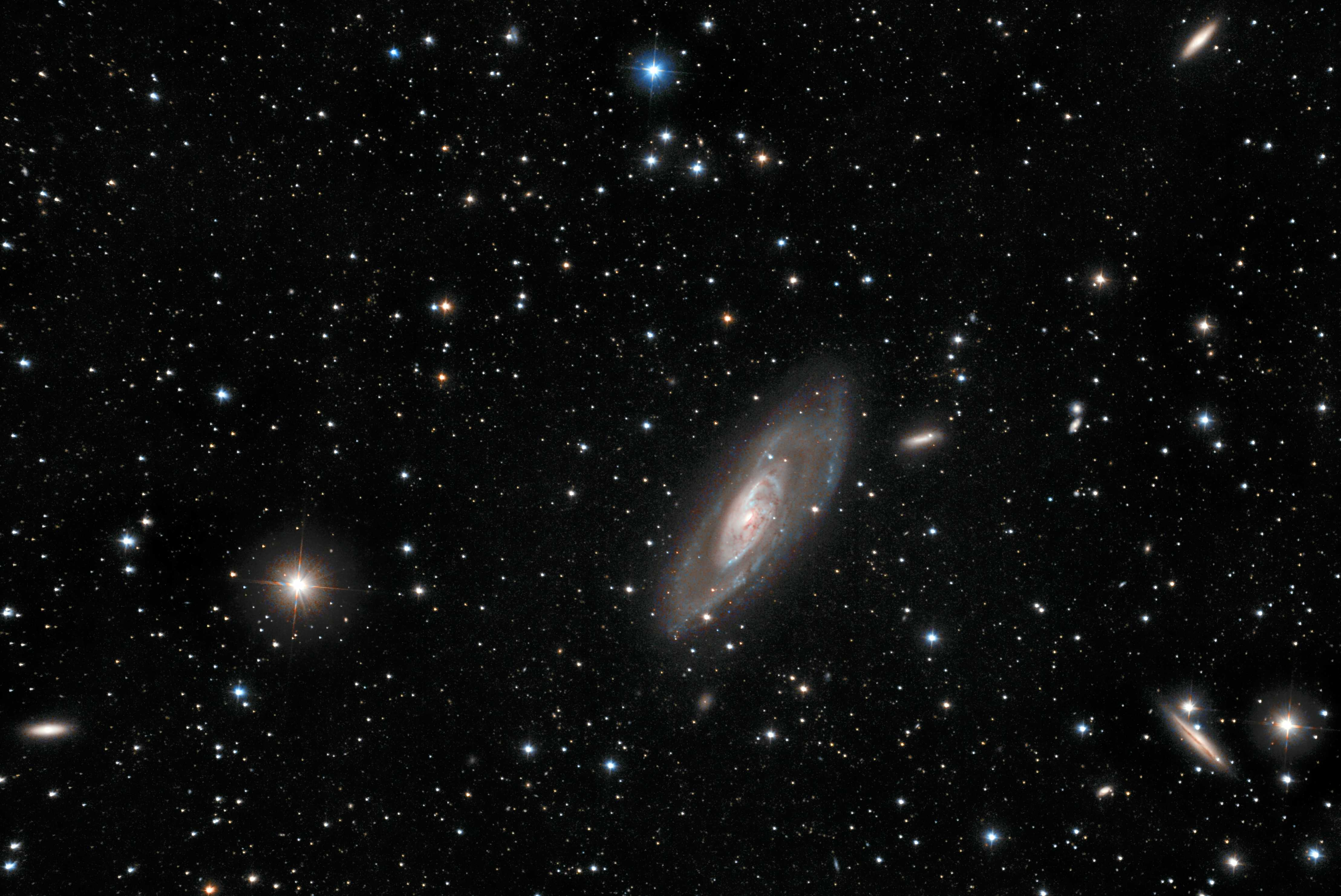 M 106 <Click to enlarge>
